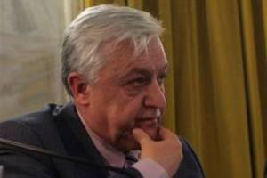 Σε χειρουργική επέμβαση υποβάλλεται ο Αλέκος Παπαδόπουλος